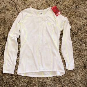 CCO! The North Face long sleeve tee